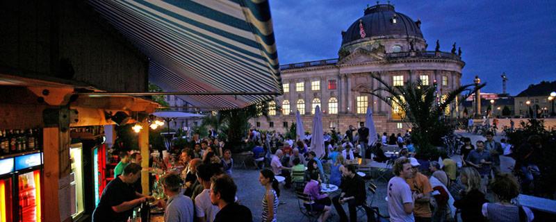 Salsa unterm Sternenhimmel mit DJ Naudy in Berlin
