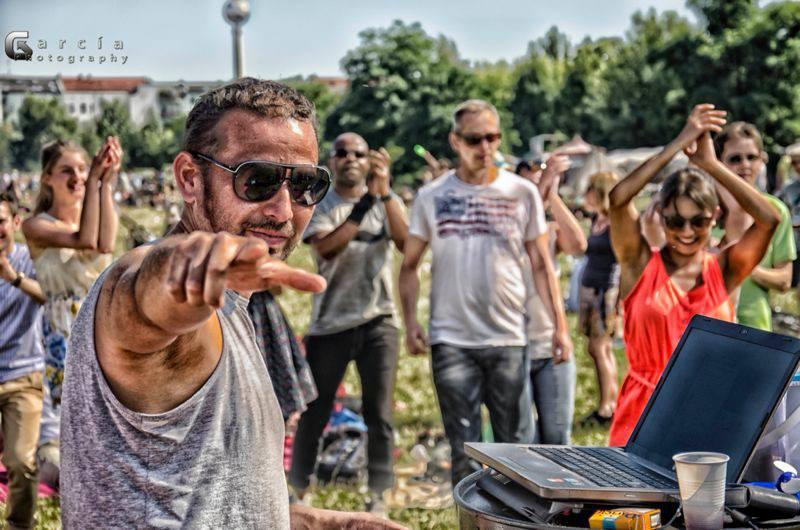 SALE EL SOL - Salsa im Mauerpark mit DJ Naudy in Berlin